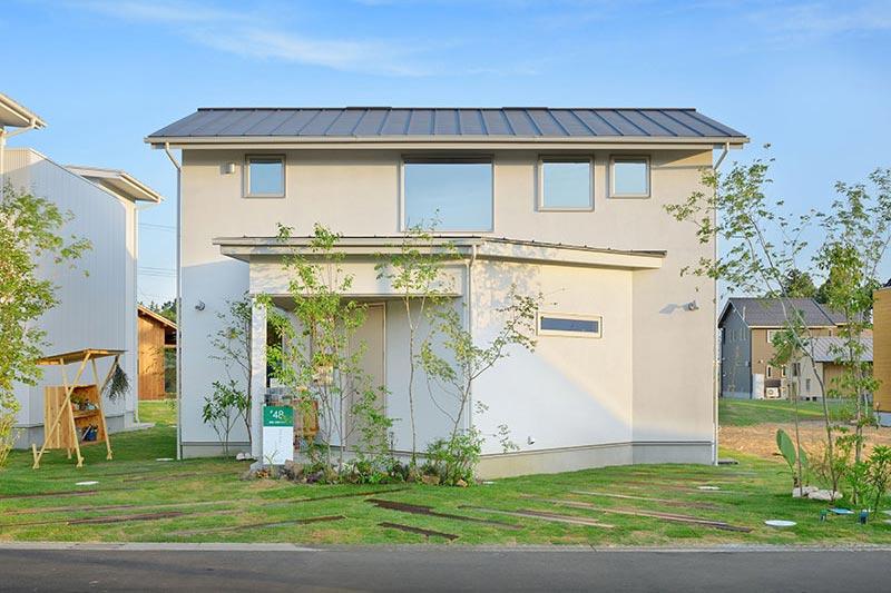 コモンと緑と暮らす里山の家